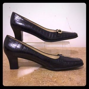 Salvatore Ferragamo pumps 9.5 4A
